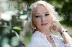 Larysa 39 years - ukrainian girl. My small public photo.