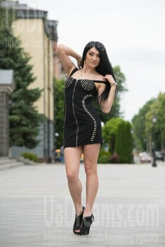 Vicky from Cherkasy 35 years - independent woman. My small public photo.