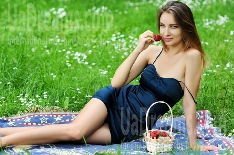 Lily Rovno 27 y.o. - intelligent lady - small public photo.