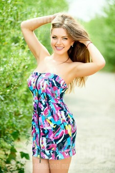 Galya from Ivanofrankovsk 31 years - bright smile. My small public photo.
