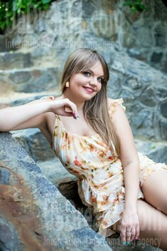 Alina from Sumy 30 years - beautiful woman. My small public photo.