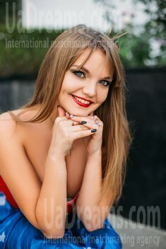 Alina from Sumy 30 years - charm and softness. My small public photo.