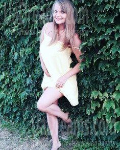 Alina from Sumy 30 years - easy charm. My small public photo.