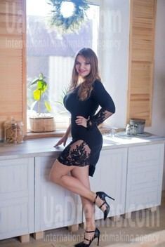 Alina from Sumy 31 years - desirable woman. My small public photo.