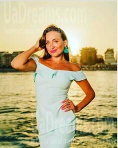 Ninochka Sumy 32 y.o. - intelligent lady - small public photo.