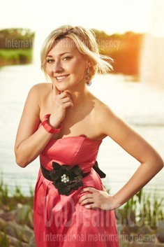 Tanya from Zaporozhye 36 years - single lady. My small public photo.