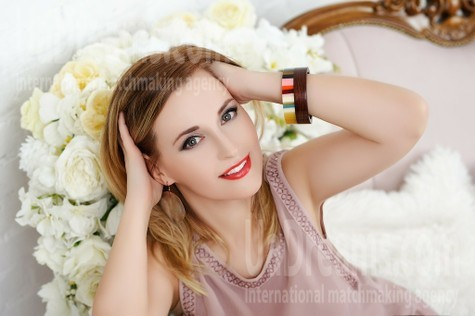 Tanya from Zaporozhye 36 years - kind russian girl. My small public photo.