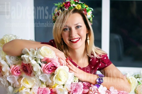 Tanya from Zaporozhye 37 years - Music-lover girl. My small public photo.