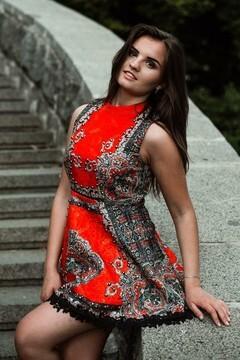 Nata from Kiev 20 years - ukrainian girl. My mid primary photo.