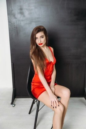 Kate from Kharkov 21 years - Warm-hearted girl. My small primary photo.
