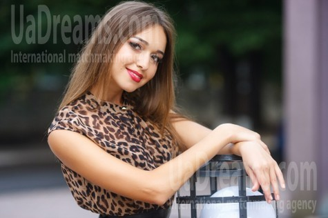 Nastya from Kremenchug 25 years - single lady. My small public photo.