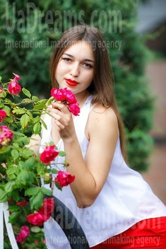 Nastya from Kremenchug 25 years - search for love. My small public photo.