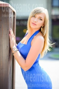 Alina from Ivanofrankovsk 25 years - clever beauty. My small public photo.
