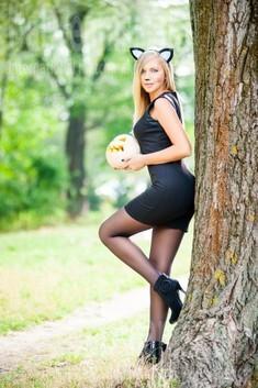 Alina from Ivanofrankovsk 25 years - creative image. My small public photo.