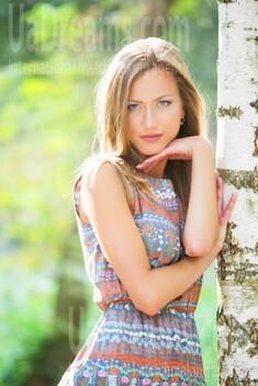 Alexa from Lutsk 30 years - romantic girl. My small public photo.
