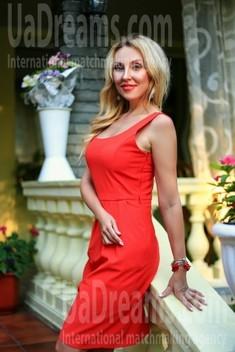 Olechka from Zaporozhye 39 years - attentive lady. My small public photo.