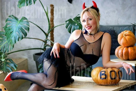 Olechka from Zaporozhye 39 years - look for a man. My small public photo.