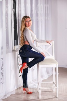 Olechka from Zaporozhye 39 years - cool photo shooting. My small public photo.