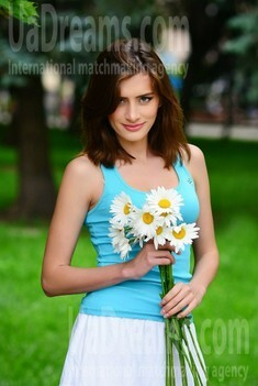 Mary from Rovno 33 years - Warm-hearted girl. My small public photo.