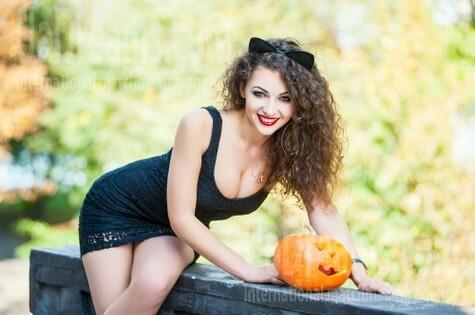 Yuliya from Ivanofrankovsk 25 years - beautiful and wild. My small public photo.