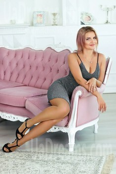 Tonya from Zaporozhye 34 years - clever beauty. My small public photo.