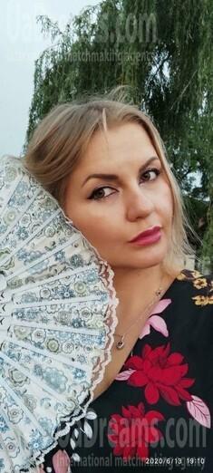 Tonya from Zaporozhye 34 years - photo gallery. My small public photo.