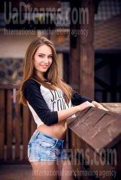 Olya from Cherkasy 24 years - good girl. My small public photo.
