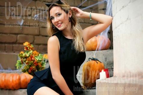 Alina from Zaporozhye 36 years - soft light. My small public photo.