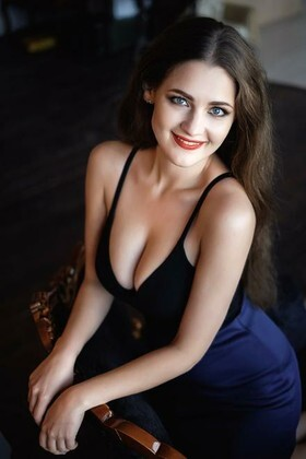 Vlada  27 years - attractive lady. My small primary photo.
