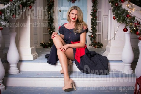Viktoriya from Kharkov 40 years - attractive lady. My small public photo.