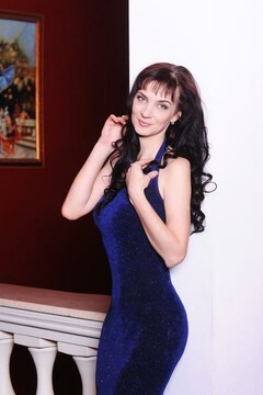 Tatiana from Kharkov 34 years - romantic girl. My mid primary photo.
