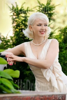 Olga from Cherkasy 41 years - single russian woman. My small public photo.