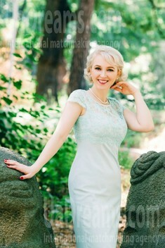 Olga from Cherkasy 42 years - attractive lady. My small public photo.
