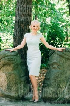 Olga from Cherkasy 42 years - nice fiancee. My small public photo.