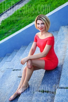 Marina from Zaporozhye 40 years - desirable woman. My small public photo.