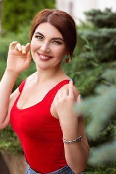 Marina from Zaporozhye 38 years - seeking soulmate. My mid primary photo.