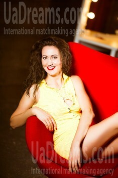 Yulya from Kiev 34 years - bride for you. My small public photo.