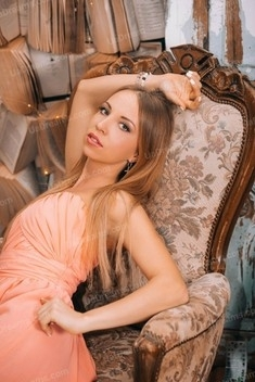 Polina from Lutsk 31 years - single lady. My small public photo.