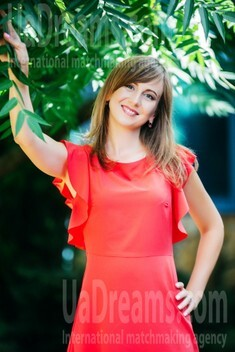 Olena from Lutsk 31 years - girl for marriage. My small public photo.