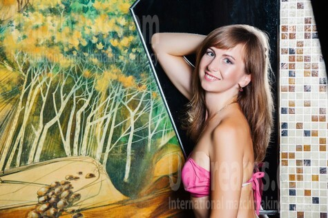 Olena from Lutsk 32 years - bride for you. My small public photo.