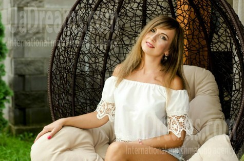 Olena from Lutsk 31 years - photo session. My small public photo.