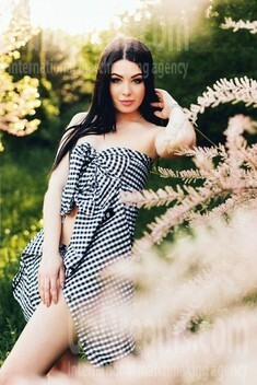 Karina from Poltava 22 years - amazing girl. My small public photo.