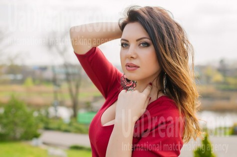 Marina from Dnipro 34 years - morning freshness. My small public photo.