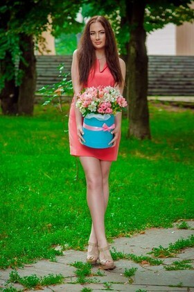 Nadya from Dnepropetrovsk 19 years - good mood. My small primary photo.