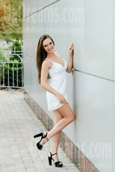 Inessa from Cherkasy 27 years - beautiful and wild. My small public photo.