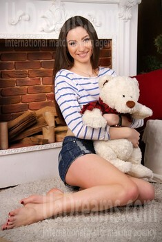 Alina from Zaporozhye 21 years - cat's-paw. My small public photo.