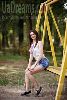 Alina from Zaporozhye 21 years - girl for marriage. My small public photo.