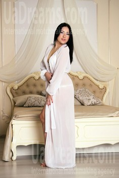 Anna from Zaporozhye 29 years - easy charm. My small public photo.