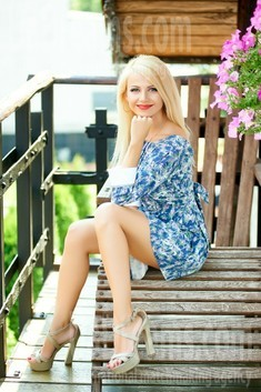 Oksana from Ivano-Frankovsk 36 years - waiting for husband. My small public photo.