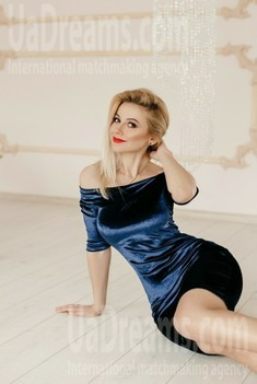 Oksana from Ivano-Frankovsk 36 years - single russian woman. My small public photo.